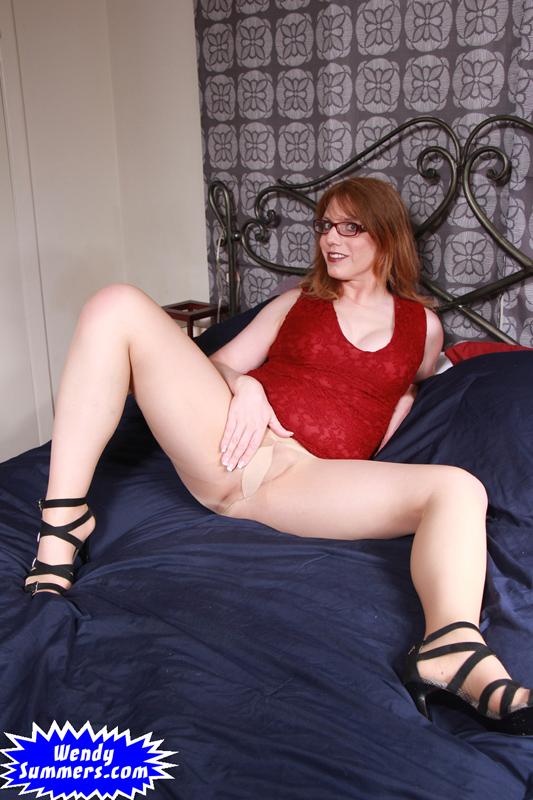 pantyhose rub and wank